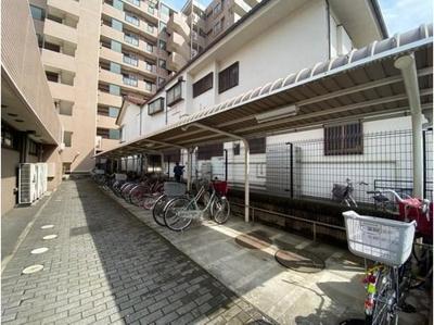 屋根付き駐輪場は、自転車の寿命を伸ばしてくれます。