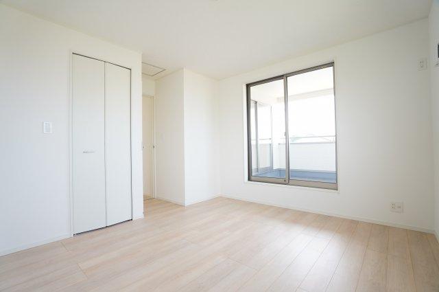 2階7.5帖洋室 本日、建物内覧できます。お電話下さい!