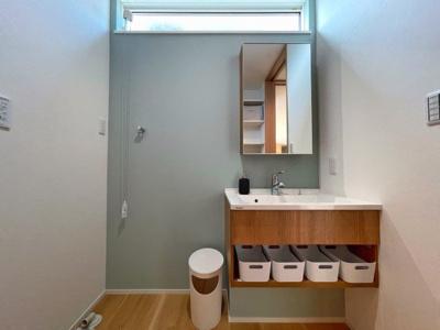 洗面脱衣室は1坪あり、 ゆったりお使いいただけます。