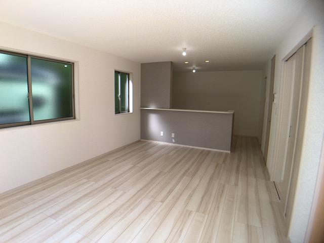居間・リビング同仕様施工例です。