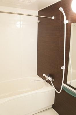 追い焚き期機能、浴室乾燥機付き!