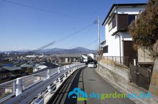 【前面道路含む現地写真】平塚市片岡 中古一戸建