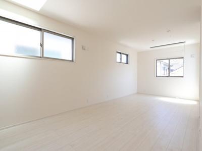 使い勝手のいい寝室です 吉川新築ナビで検索