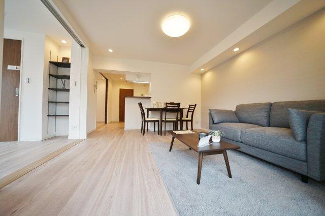 相鉄線「天王町」駅徒歩3分、JR横須賀線「保土ヶ谷」駅も利用可能と便利な立地のマンションです。