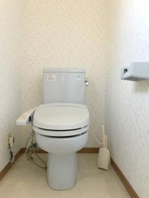 奥行のあるトイレ