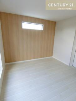 バルコニー付の洋室は約7.8帖の広さです。