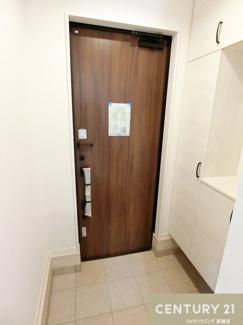 シューズクローゼットは収納たっぷり玄関もすっきり保てそうですね。