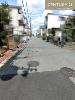 前面道路は約6.5mと車の出し入れもスムーズにおこなえそうですね。