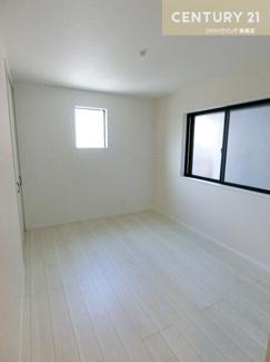 1階にある約6帖の洋室です。