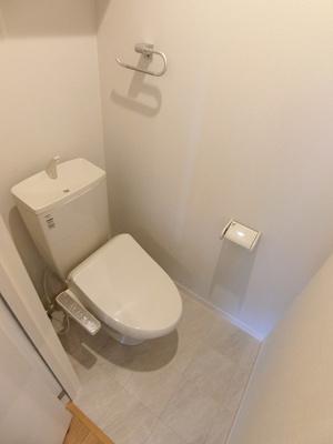 ※参考写真※人気のシャワートイレ・バストイレ別です♪トイレが独立していると使いやすいですよね☆