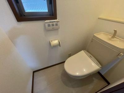 温水洗浄機能付き便座♪トイレ2カ所あります♪