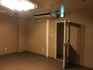 ホールはこのようになっております