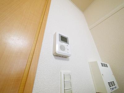 TV付きモニターホンがあります。