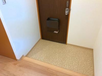 玄関にはシューズボックスを置くことのできるスペースがあります♪
