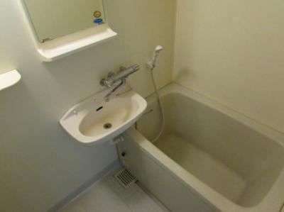 【浴室】ベルグリーン熊内