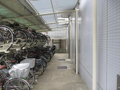 【駐輪場】ローレルハイツ神戸1号棟