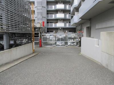 【駐車場】ローレルハイツ神戸1号棟