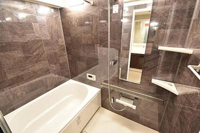 浴室換気乾燥機付きのバスルームは花粉の季節のお洗濯にも活躍。