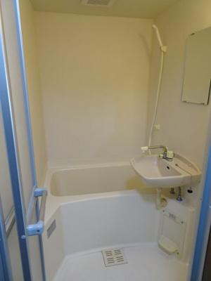 深尾マンション やっぱり嬉しいバストイレ別 鶯谷の賃貸物件。 深尾マンション