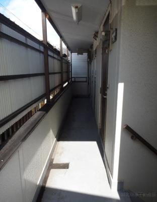 深尾マンション 共用廊下 鶯谷の賃貸物件。 深尾マンション