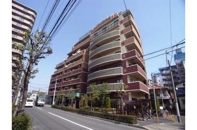 東京メトロ千代田線「北綾瀬」駅徒歩約9分。ファミリータイプのマンションです。