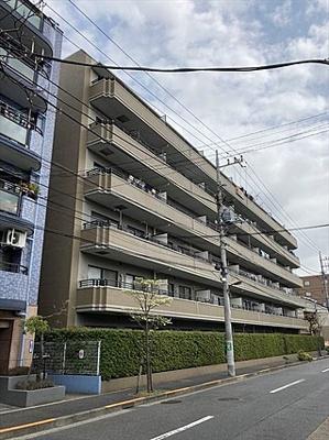 東京メトロ千代田線「北綾瀬」駅徒歩約7分の立地。
