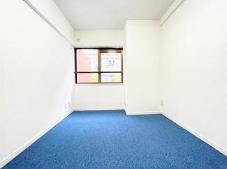 約6帖洋室です。全居室開口部付きです。
