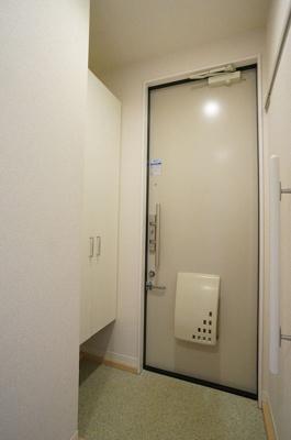 シューズボックス付きで玄関すっきり片付きます!お客様もスムーズにお出迎えできますね♪