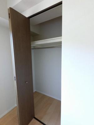6.0帖のWICです。 豊富な収納設計でお部屋を広く有効活用出来ます。