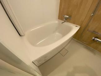 新品の浴室です♪一日の疲れを癒してくれます!!水廻り全てが新品で気持ちよくご入居していただけます(^^)
