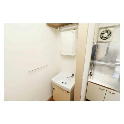【独立洗面台】ビレッジハウス愛生6号棟