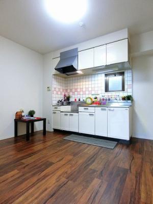 7帖のダイニングキッチンです!広めのキッチンスペースで毎日楽しくお料理もできますね!※参考写真※