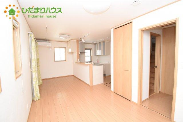 【居間・リビング】鴻巣市北新宿 中古一戸建て