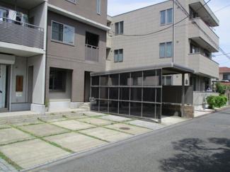 【外観】屋根付駐車場
