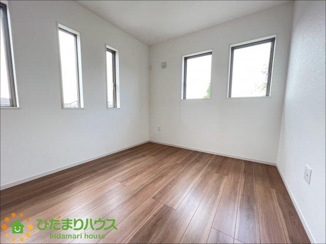 2階には洋室を4部屋ご用意しております!