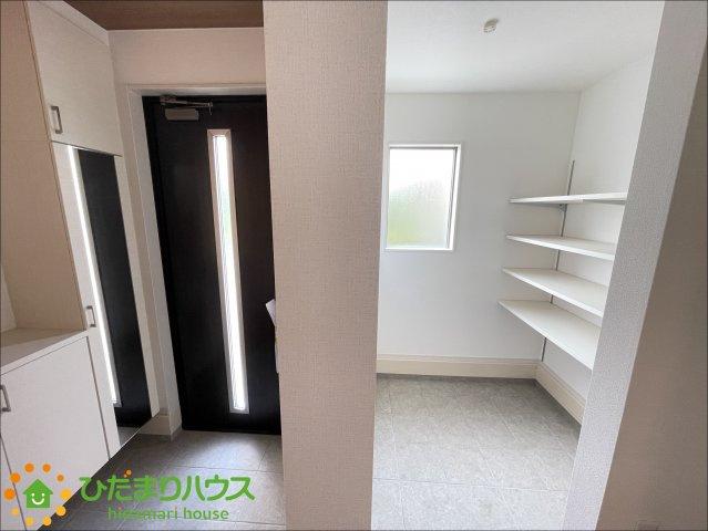 シューズインクローク付きで散らかりがちな玄関も綺麗に保てます!ベビーカーなどの収納にも◎