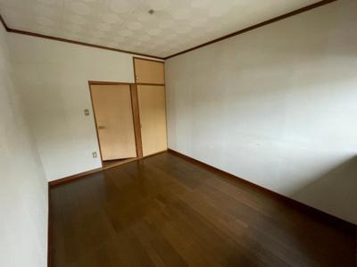 【洋室】尾崎貸家