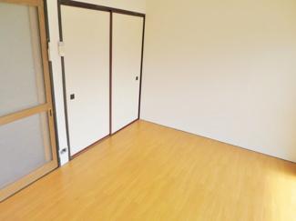 洋室の収納方向