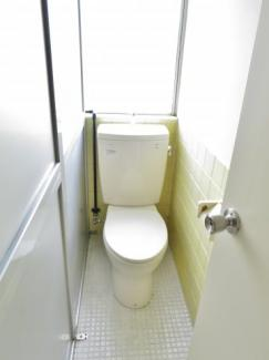 コンパクトなトイレです