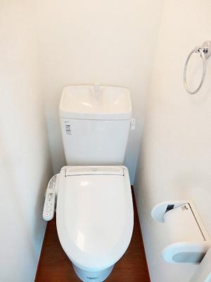 温水洗浄機能付トイレ☆(同一仕様写真)