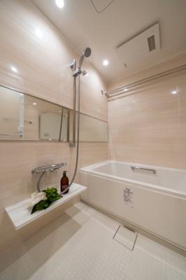 湿気が溜まりにくく、雨の日のお洗濯にも便利な浴室乾燥機付き。