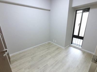 3.2帖の洋室です。 子供部屋やワークスペースとしても活用できます。