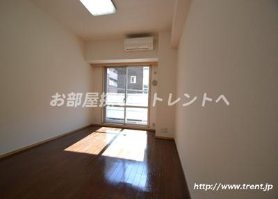 【居間・リビング】ベジフル北新宿弐番館