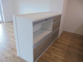≪キッチンカウンター≫調理家電置場や配膳に重宝します。