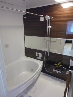 浴室はワイド浴槽のゆったり1418サイズ