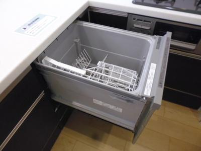家事をサポートしてくれる、嬉しい食洗器付きです♪ビルトインでスッキリ収納♪