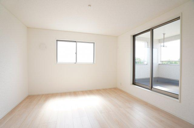 2階8.5帖洋室 本日、建物内覧できます。お電話下さい!