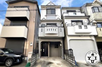 LDKの続きには和室があります。扉を開放すれば広いスペースが確保されます。和室をリビングとしてもお使い頂けますね。