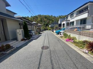 前面道路は北西側に公道幅員5.2mです♪開放的です!!