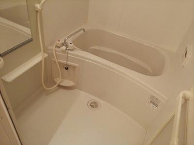 【浴室】マディー・ウェストライフ